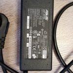 Продам зарядное устройства для Asus X751L